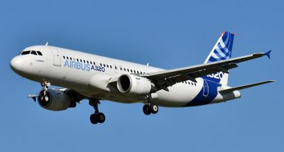 EJS AGREE TERMS TO PURCHASE TWO AIRBUS A320-200'S FOR TEARDOWN
